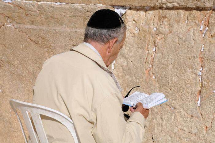 Two Elderly Men Die Hours After Getting COVID-19 Vaccines in Israel